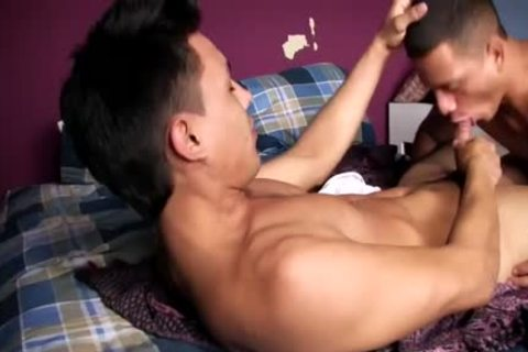 this dude sucks Him And Then Rides Him On The bed