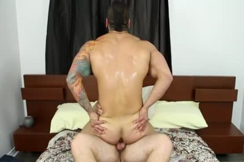 Muscle homo oral sex-stimulation And cumshot