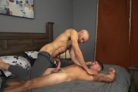 large 10-Pounder homo pooper invasion And Creampie