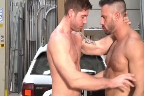 pumped up males Who Love To Sodomise