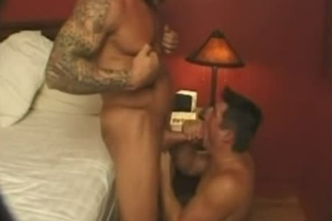 Donnie Russo receives A oral-service