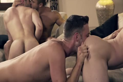 Ben Bateman Takes two ramrods In awesome unprotected orgy