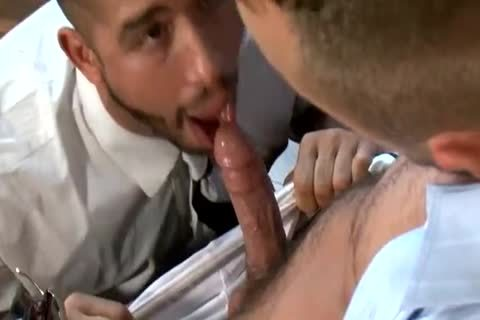 Trey Turner And Jessie Colter Have A tasty bang In The Office
