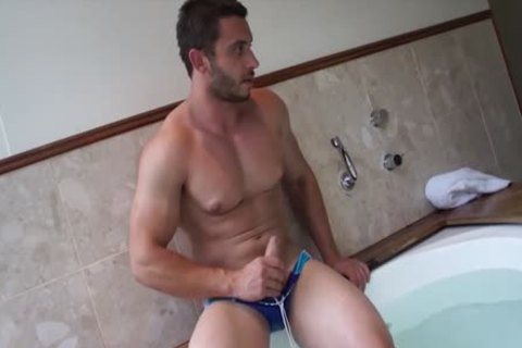 Muscle Jack In The slutty Tub With James Nowak