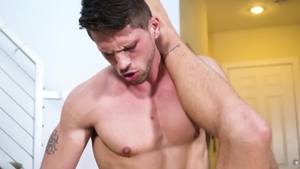 IconMale: Muscled Roman Todd enjoying Jett Rink