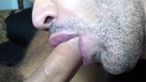 FrankfurtSexStories: Hairy gay feels the need for blowjobs